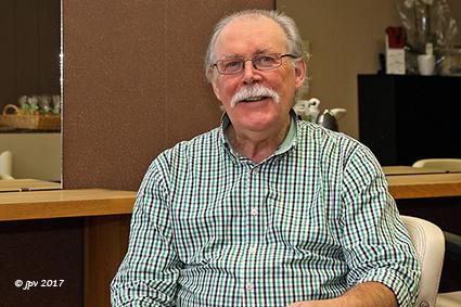 Kapper Rudi hangt na 44 jaar zijn kappersschaar aan de haak