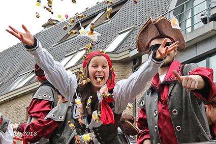 17de Carnavalstoet lokt veel carnaval minnend publiek