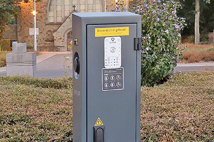 Diepenbeek voorziet in elektrische oplaadpalen.