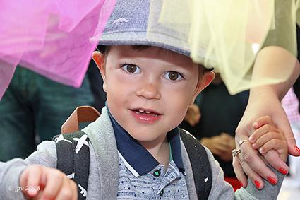 Vrije basisschool Lutselus via de circustent naar het nieuwe schooljaar