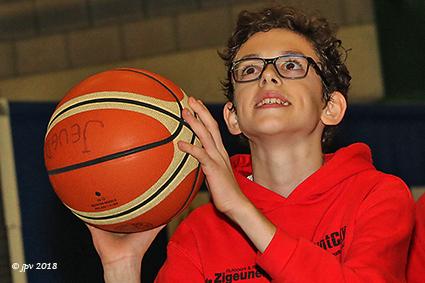 """""""Balls for life"""" brengt 3093 € op voor dienstencentrum Sint-Gerardus"""