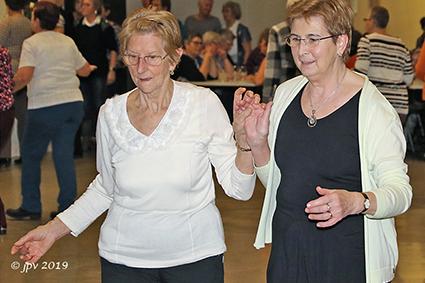Dansclub Okra nodigt uit ten dans
