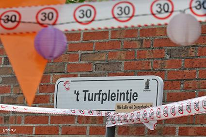 Turfstraat viert 30 jaar straatbarbecue