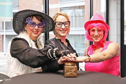 Golden buzzer voor kleuters op grootouderfeest gemeentelijke basisschool
