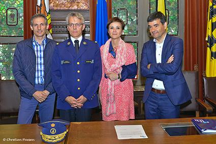 Hoofdcommissaris Philip Pirard legt de eed af als korpschef van de politie Limburg Regio Hoofdstad