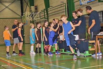 Basketbalkamp voor jeugdspelers bij Gems BC