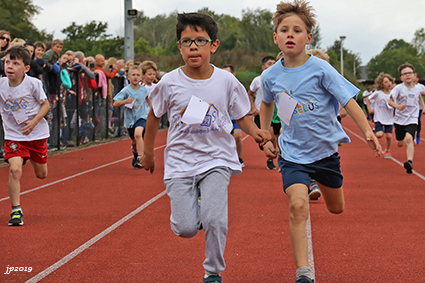 500 Leerlingen voor jaarlijkse scholenveldloop