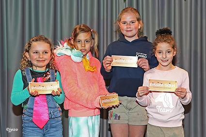 Snoepgooiers voor het kindercarnaval Diepenbeek