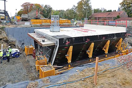 Koker van 550 ton voor voetgangers-en fietstunnel