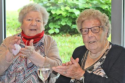 450 Senioren genieten van Nazomeren